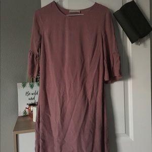 Light mauve dress with shirt ruffle sleeve